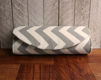 Chevron clutch purse in gray and white, Clutch bag, Gray clutch, sideways zig zag clutch