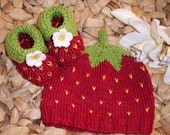 Sweet Fruit Woodland Strawberry Set - Baby Booties and Hat - Newborn to 4 months -  pure cotton - ready to shiop