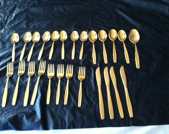 "Rogers Cutlery Stainless Silverware ""GOLD"" 25 PIECES"