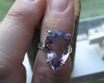 Vintage Sterling Silver Ladies Women's Ring with Large Tear Drop Shade Lab Created Amethyst Gemstone Size 6