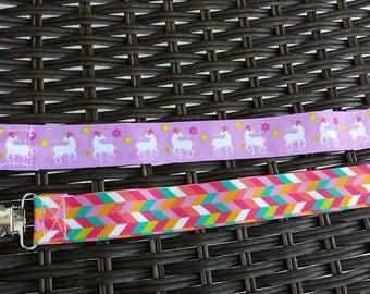 Unicorns and bright herringbone   clip set