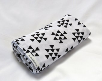 Large Cotton Jersey Knit Baby Swaddle/Receiving Blanket - Girl/Boy - White w/ Black Triangle Arrows