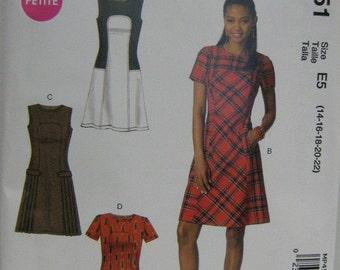 Misses/Miss Petite Dress Pattern, Fall Winter Spring Dress Pattern, Sleeveless/Short Sleeve Dress, Mc Calls P451, SZ 14 through 22