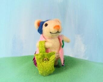 needle felted animal- Fleta the mouse -needle felted mouse-miniature animal