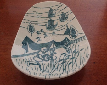 Danish Nymolle Hoyrup Art Faience limited edition plate numbered 413a // FL