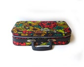 Vintage 1970s Bantam Travelware psychedelic flower power small travel case, hippie carry on luggage