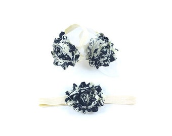 Barefoot Baby Sandals - Baby Barefoot Sandals - Baby Accessories - Newborn Shoes - Baby Shoes - Toe Blooms - Black and Ivory Baby Sandals