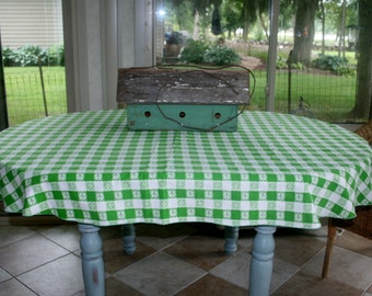 Vintage Green White Picnic Style Oval Tablecloth Plaid Flowers Cotton