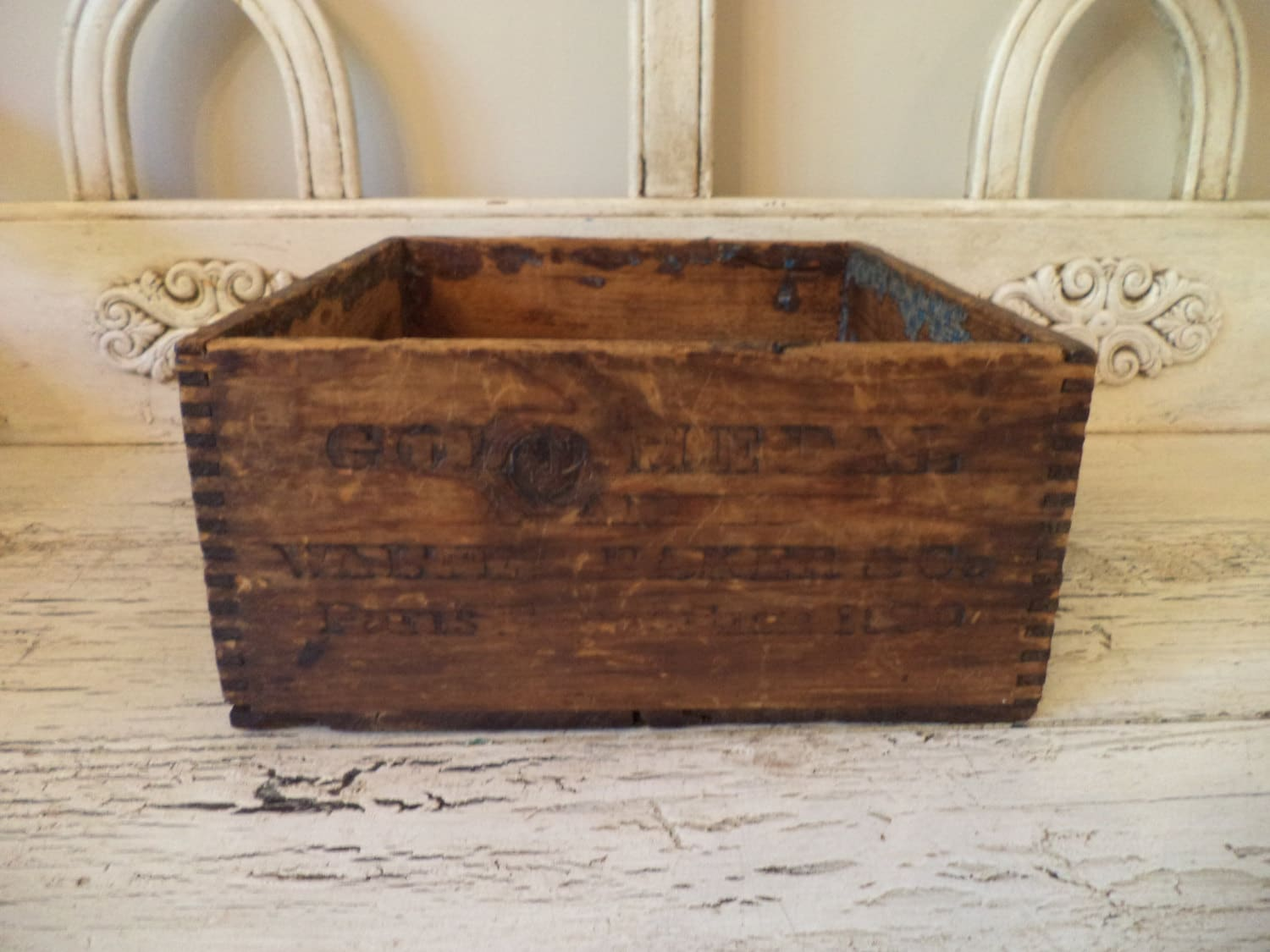Small rustic wood box perfect for storage decor haute - Small rustic wooden boxes ...