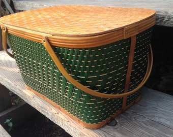 Vintage Hawkeye Avocado Green Picnic Basket