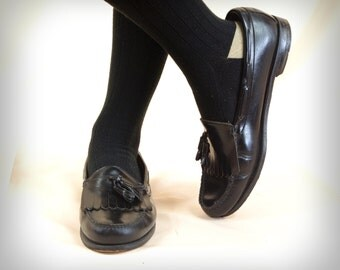 80s Mens Black Bass Tassel Weejun Loafers * Black Bass Weejuns * Mens Black Loafers * Bass Loafers * Mens Slip On * Black Slip On Shoes