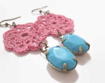 Crochet Earrings, Crochet Flower Motif, Turquoise Teardrop Earrings, Vintage Glass Teardrop, Crochet Flower Earrings, Flower Motif