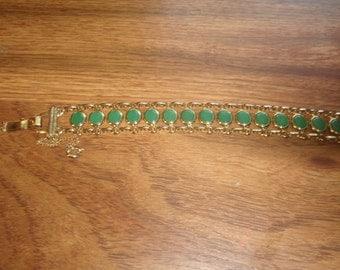 vintage bracelet green glass goldtone