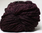 Hand Spun Thick and Thin Yarn Wool Merino Slub tts Hand dyed Extra Super Bulky Two-Pounder Black Rose TP