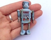 Grey Robot Brooch Vintage Toy Wooden Brooch Pin Gift Laser Cut for Boys Birthday Parties Childrens Kids Party Badges