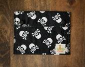 Reusable Small Snack Bag Snap Down - Skull & Cross Bones