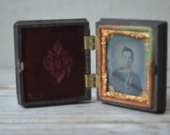 Antique Miniature Cased Daguerreotype