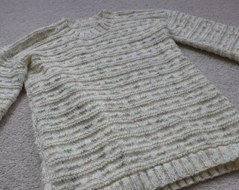 Lovely handknitted cream mottled flecked sweater fits teen or small adult S