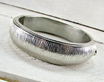 Vintage Silver Bangle Bracelet, Modern Textured Bracelet, Hinged Bangle Bracelet, Clamper Bracelet, 1950s 1960s Vintage Costume Jewelry