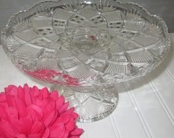 dessert plate /cake stand /pedestal cake with scalloped rim