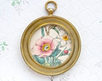 Antique Brass Round Frame - Victorian Flowers