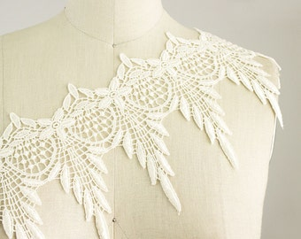 Josephine Ivory Cream Feather Leaf Dangle Fringe Lace Trim / Romantic Boho Style Lace Trim / Shabby Chic Venice Lace / Bridal Dress Trim