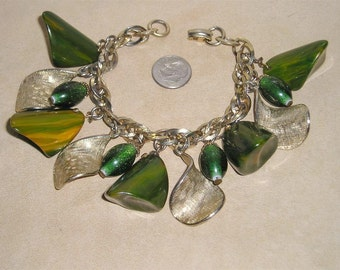 Vintage Chunky Charm Bracelet With Large Green Marble Bakelite Charms 1950's Jewelry 166