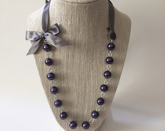 Purple Pearl and Charcoal Gray Ribbon Bow Necklace