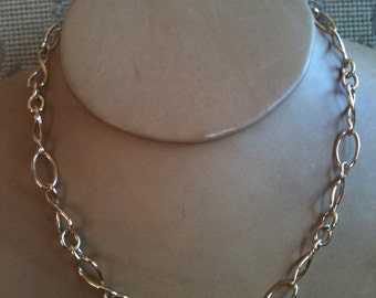 Italian Fancy Link Vintage Chain 18 Karat Yellow Gold 18 Inches Long Owned Worn by Actress Kathy Bates