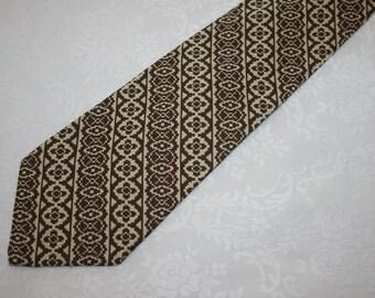 Vintage Mens Necktie Tie Velducci 24 100% Polyester Cream Beige Brown Ugly Tie Retro Mod
