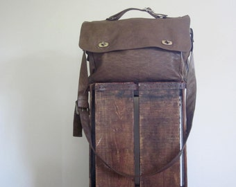 Brown Messenger Bag / Laptop / 90s / Unisex / College / Back to School