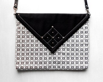Fashionista Geometrical Envelope Bag / Fabric Handbag / Paperback Clutch