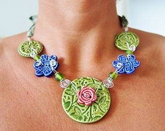 Ceramic Button necklace with Liberty fabric - Green and blue Liberty fabric