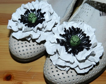 Leather flower shoe clips - poppy! Leather Shoe Clips, poppy shoe clips - white!
