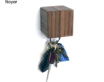 KUBE, wall mounted magnetic key holder (walnut, mahogany, birch)