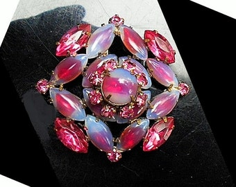 SALE Vintage Pink Art Glass Marquis-Cut Cushion 3 Tiers Tall Brooch Pin, Bling Bling, Hollywood Glamour, Night Out  Pendant Converter Avail