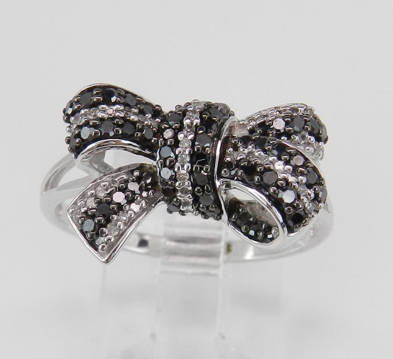 Diamond Bow Ring White Gold Black and White Ladies Lady's Bow Tie Cocktail Statement Ring Size 8.5