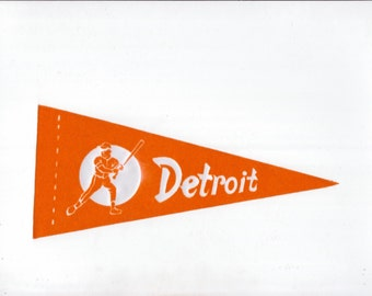 Vintage Baseball Pennant DETROIT Tigers Orange & White Small 8 1/2 Inch Mini Flag 1970s Collectible Vintage Sports Decor Gameroom Man Cave