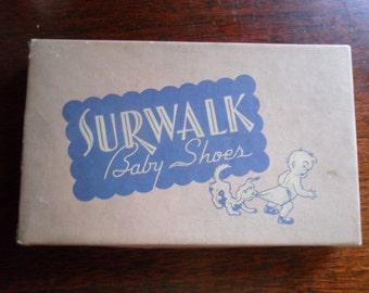 1940s Surwalk Baby Shoes in original box,, look unused, super cute