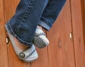 Shadow grey slippers, crochet slippers, booties, womens slippers, womens crochet slippers, winter fashion, socks, crochet shoes