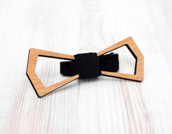 Weddings Wooden bowtie - Wedding day keepsake gift for the groom