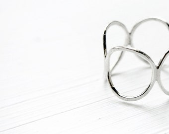 cercles - silver band ring