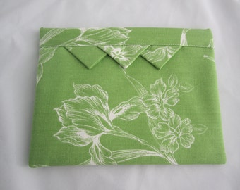 Spring-shut fabric makeup bag white floral graphic on grass green lined padded RTS  padded bag exchange gift