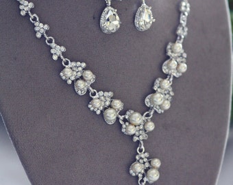 Bridal Jewelery set - Necklace Earrings Pearl  Swarovski crystal and pearl necklace