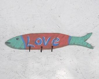 Original Love Sign Fish Cutout With Hooks Beach Jewelry Key Holder Beach Cottage Decor Folk Art Reclaimed Wood Chain Leash