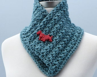 Hand crochet wool circle scarf in teal
