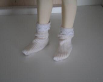 Short socks for Unoa Chibi and Elder Sister dolls
