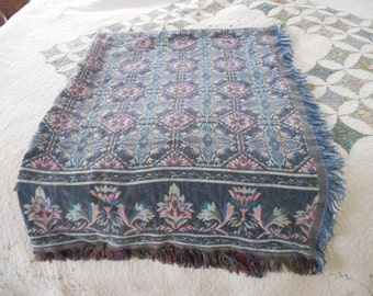 Vintage 100% cotton throw Goodwin Weavers pretty pastel colors.