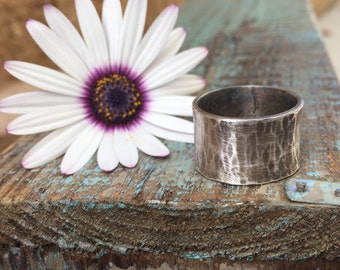 Hammered silver ring / wide band ring