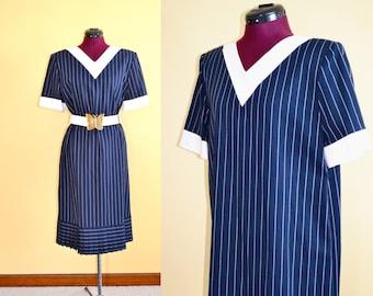 1980s Vintage Plus Size Carolina Herrera Studio Navy and White Drop Pleat Dress size 14 (XL) bust 42